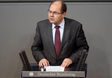 """Schmidt: """"Bundesländer bei Gentechnik-Verbot zu wenig aktiv"""""""