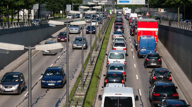 """""""Wenn Autos rasen, wird CO₂ in die Luft geblasen"""""""